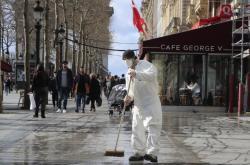 Čištění ulic v Paříži