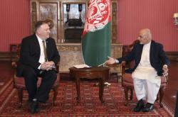 Šéf americké diplomacie Mike Pompeo a afghánský prezident Ašraf Ghaní