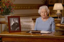 Nezoufat si, to byla za války ta výzva, řekla britská královna Alžběta