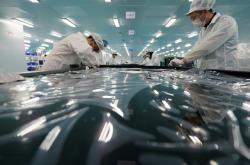 Montážní dílna v průmyslovém parku ve východní Číně