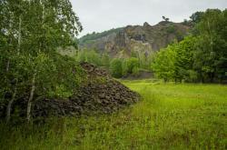 Lom na kopci Tlustec v Brništi na Českolipsku