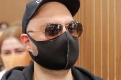 Režisér Kirill Serebrennikov u moskevského soudu