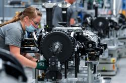 Montáž ve výrobní hale pro elektrická vozidla společnosti Volkswagen