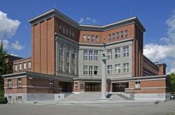 Stavba Josefa Gočára v Hradci Králové
