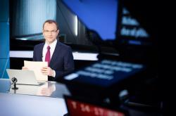 Před odjezdem do USA moderoval Yann Zane, českým jménem Jan Zika, některé zpravodajské relace v České televizi.
