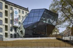 Přístavba budovy Muzea skla a bižuterie v Jablonci nad Nisou (autoři: Michal Hlaváček, Zdeněk Holek)