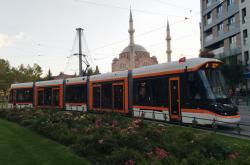 Nízkopodlažní tramvaj ze Škody Transportation v tureckém městě