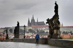Pražský Karlův most bez turistů