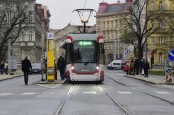 Dál než na Žižkovo náměstí tramvaje zatím neprojedou