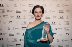 Magdaléna Borová s Cenou české filmové kritiky za rok 2020 pro nejlepší herečku