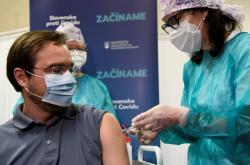 Marek Krajčí během očkování proti covidu-19