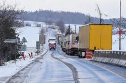 Kamiony stojí u Mohelnice na Šumpersku