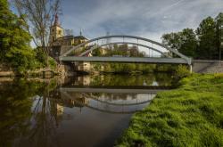 Nový most v Loukově nahradil provizorium z roku 1985
