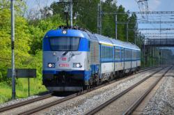 Dálkový vlak Českých drah