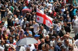 Protesty proti pochodu sexuálních menšin v gruzínském Tbilisi