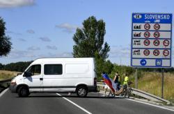 Protest proti novým karanténním opatřením při vstupu na Slovensko