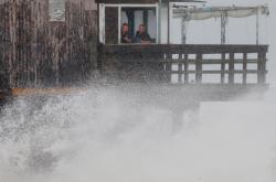 Tropická bouře Henri udeřila na pobřeží Rhode Islandu