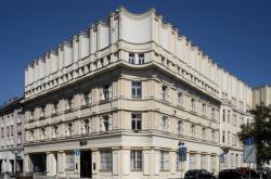Anglobanka (architekt: Josef Gočár, 1922-23)