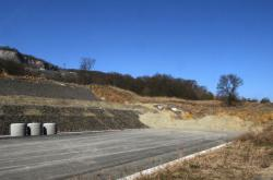 Sesutá půda na dálnici D8 u Litochovic