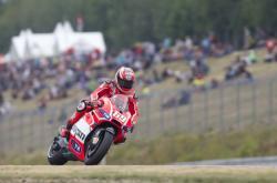 Neděle na Grand Prix patří tradičně závodům