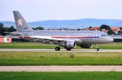 Armádní speciál se zraněnými z Chorvatska