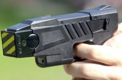 Taser typ M26 používá řada policejních složek v USA