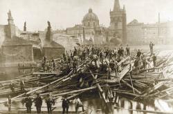 Karlův most po povodni v roce 1890