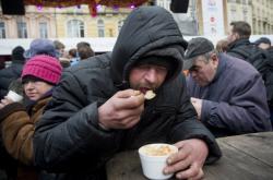 Vánoční polévka pro bezdomovce
