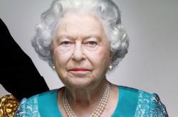 Alžběta II. na novém oficiálním snímku