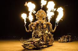 Fotografie z výstavy Marka Musila v Leica Gallery: WORLD ON FIRE | The Burning Man Collection