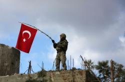Turecký voják v severosyrském Afrínu