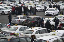 Protest taxikářů na pražském Strahově