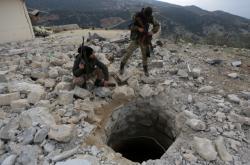 Turečtí bojovníci v Afrínu