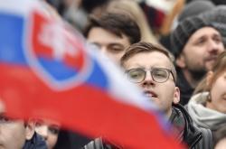 Protesty v Praze za předčasné volby na Slovensku