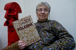 Natalia Gorbaněvská s českým vydáním knihy Poledne