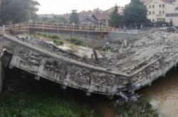 Zřícený most ve Velkém Meziříčí