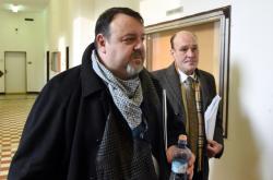 Daneš Zátorský (vlevo) a David Rusňák přicházejí k soudu kvůli Unibonu