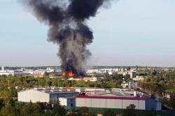 V Plzni-Karlově hoří ubytovna