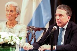 Šéfka MMF Christine Lagardeová a argentinský ministr hospodářství Nicolás Dujovne