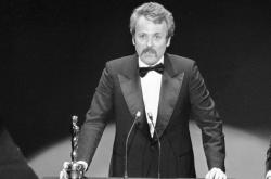 William Goldman při přebírání Oscara za film Všichni prezidentovi muži