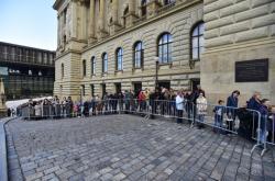 Fronta před Národním muzeem