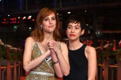 Herečky Natalia de Molinaová (vlevo) a Greta Fernándezová, hlavní představitelky filmu Elisa a Marcela