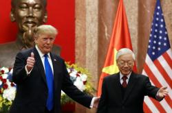 Prezident USA Donald Trump se sešel s vietnamským prezidentem Nguyenem Phu Trongem