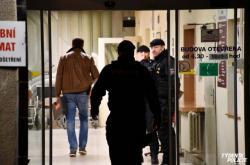 Policie zasahuje v nemocnici na Vinohradech