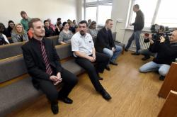 Trojice policistů před soudem