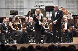 Zlínská filharmonie popřála Evě Jiřičné k 80. narozeninám