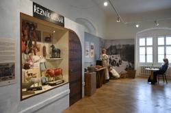Výstava Šejdíři a šizuňkové v Přerově