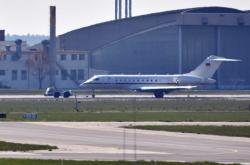 Německý vládní letoun po nouzovém přistání na letišti Schönefeld