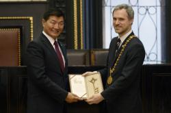 Předseda tibetské exilové vlády Lozang Sanggjä a primátor Zdeněk Hřib