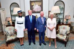 Donald Trump a princ Charles s manželkami